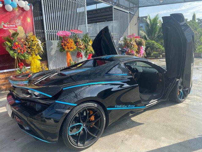 Sở hữu vườn lan đột biến tiền tỷ, nhiều đại gia Việt bạo chi tậu siêu xe khủng - Ảnh 7.