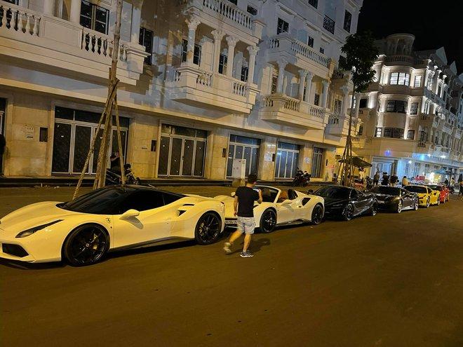 Sở hữu vườn lan đột biến tiền tỷ, nhiều đại gia Việt bạo chi tậu siêu xe khủng - Ảnh 10.
