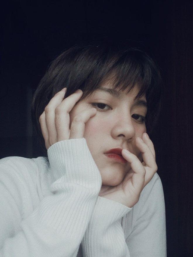 Ảnh thẻ cuốn hút của cô gái Thanh Hoá và chia sẻ về quá khứ buồn đằng sau ngoại hình khác biệt - Ảnh 2.