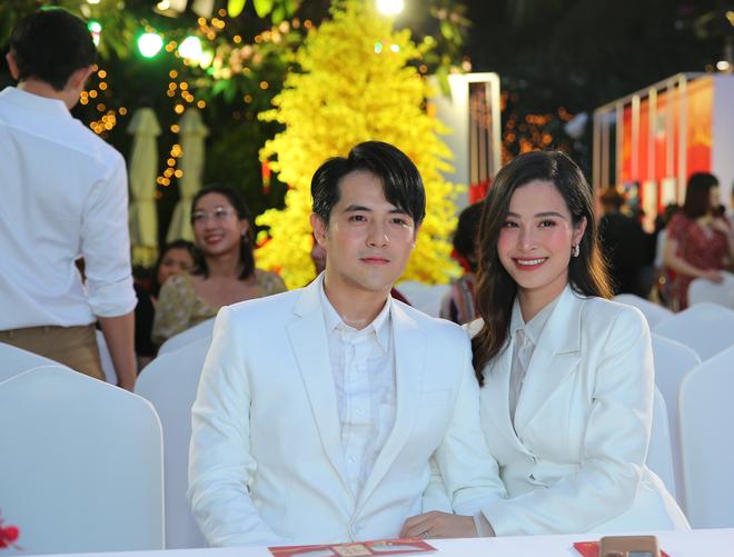 Phạm Quỳnh Anh mặc gợi cảm đi sự kiện - Ảnh 7.
