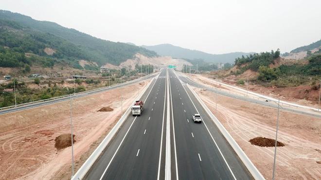 Cận cảnh nút giao thông hơn 400 tỷ sắp hoàn thành nơi cửa ngõ Hạ Long - Ảnh 5.