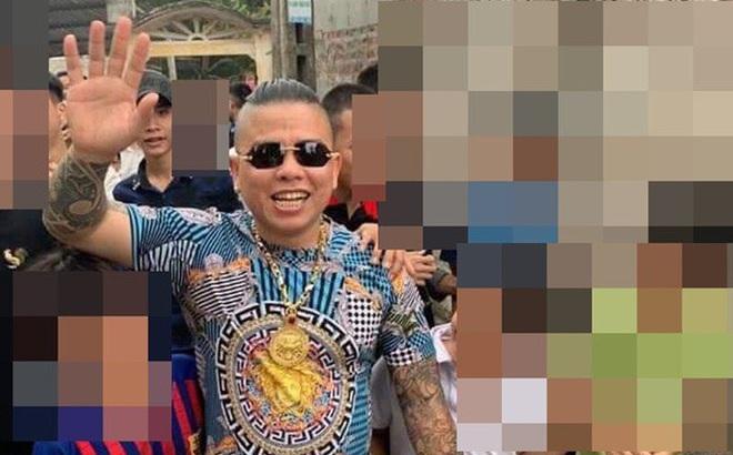 """Nóng: Bắt đối tượng nổ súng bắn vào xe của """"thánh chửi"""" Dương Minh Tuyền"""