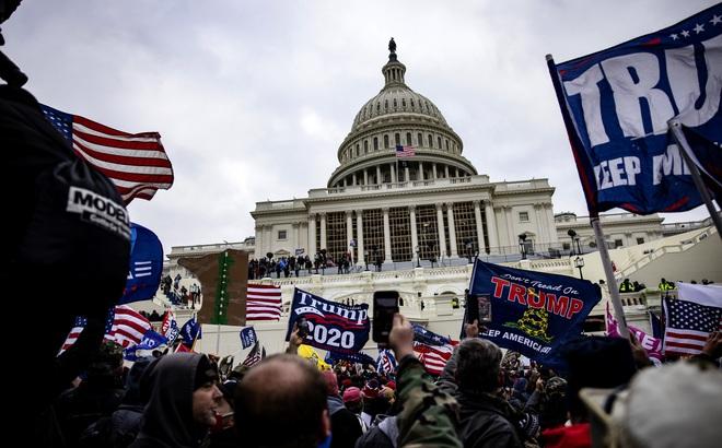 """Hoàn Cầu: Dân TQ hả hê gọi biểu tình ở Mỹ là """"nhân quả"""", """"bong bóng tự do dân chủ đã vỡ"""""""