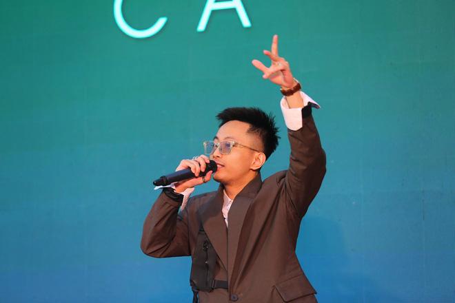 Phạm Quỳnh Anh mặc gợi cảm đi sự kiện - Ảnh 10.