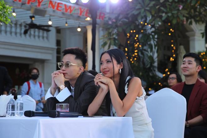 Phạm Quỳnh Anh mặc gợi cảm đi sự kiện - Ảnh 8.