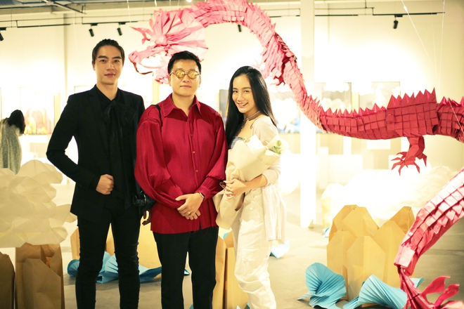Wowy, Quang Đăng, Dustin Nguyễn xúc động khi xem triển lãm ảnh quảng bá văn hóa Việt Nam - Ảnh 4.