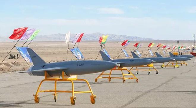 Iran khoe máy bay không người láI có thể tấn công căn cứ Mỹ ở châu Âu - Ảnh 3.