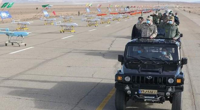 Iran khoe máy bay không người láI có thể tấn công căn cứ Mỹ ở châu Âu - Ảnh 2.