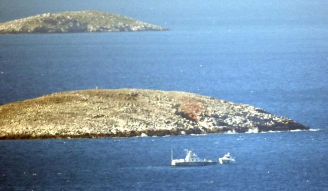 Hạm đội 5 Mỹ và tàu chiến Hàn Quốc áp sát Iran - Eo biển Hormuz lại nóng rực - Ảnh 2.