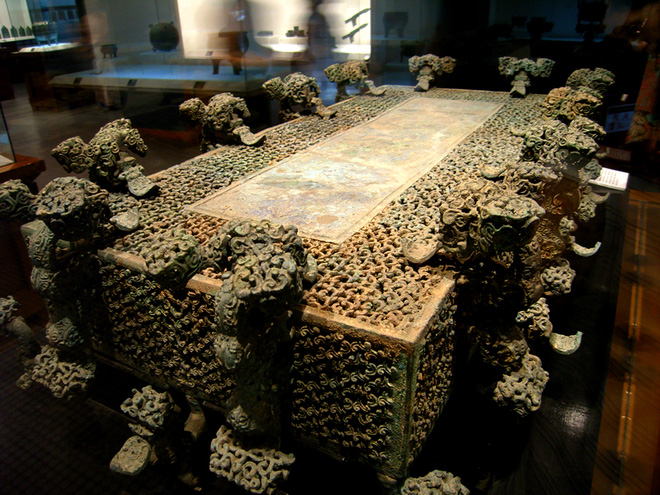 Hồ chứa xả lũ trôi dạt hàng trăm mảnh đồng: Hé lộ món quốc bảo giá trị, TQ cấm đem ra nước ngoài triển lãm - Ảnh 4.