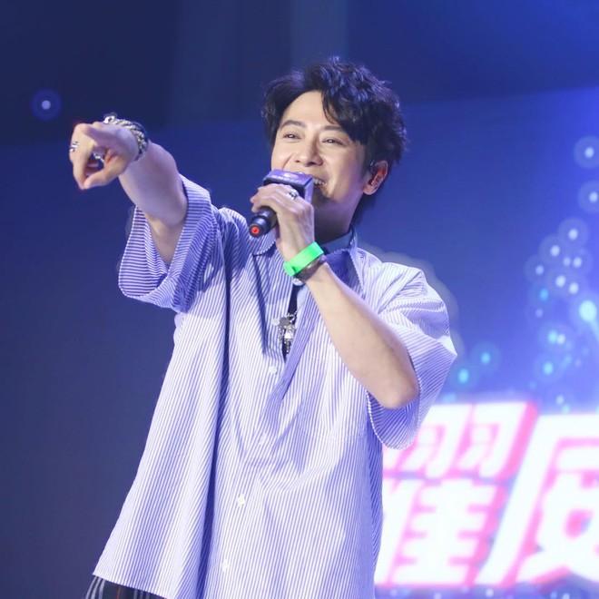 Con trai Lâm Tâm Như: Mất điểm vì tiếng xấu yêu râu xanh, cuộc sống tuổi U50 ra sao? - Ảnh 20.
