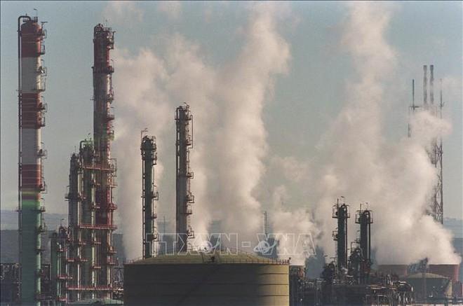 Nồng độ CO2 trong không khí sẽ cao hơn 50% so với thời kỳ tiền công nghiệp - Ảnh 1.