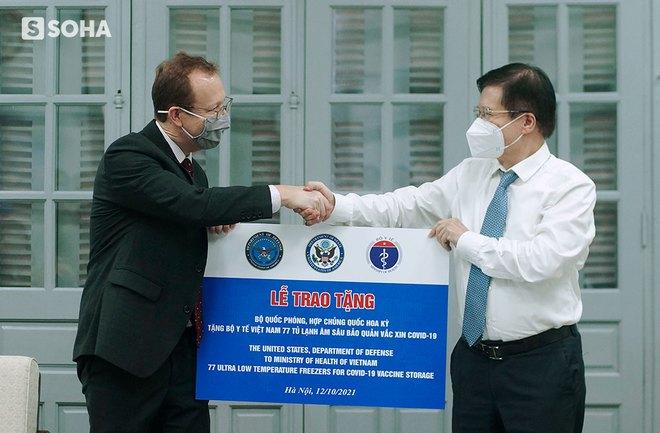 Mỹ viện trợ Việt Nam 77 tủ lạnh bảo quản vaccine, nói là sự giúp đỡ cho bạn bè và mang ý nghĩa của niềm hy vọng - Ảnh 6.