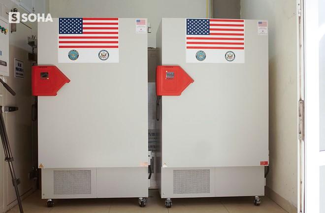 Mỹ viện trợ Việt Nam 77 tủ lạnh bảo quản vaccine, nói là sự giúp đỡ cho bạn bè và mang ý nghĩa của niềm hy vọng - Ảnh 2.