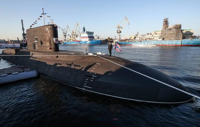 Tên lửa S-500 nhận lệnh trực chiến bảo vệ Thủ đô Moscow - Lính Nga bị bắn chết: Azerbaijan hành động táo tợn chưa từng thấy! - Ảnh 2.