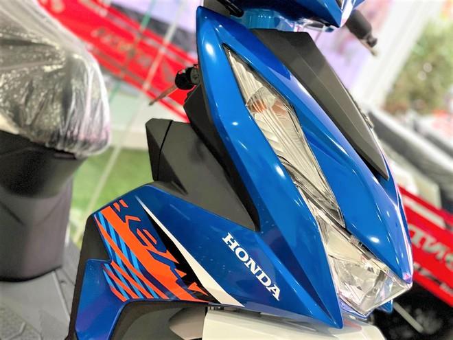 Xe tay ga 32 triệu về đại lý, cốp 12 lít, bình xăng 4,2 lít, đấu Honda Vision - Ảnh 4.