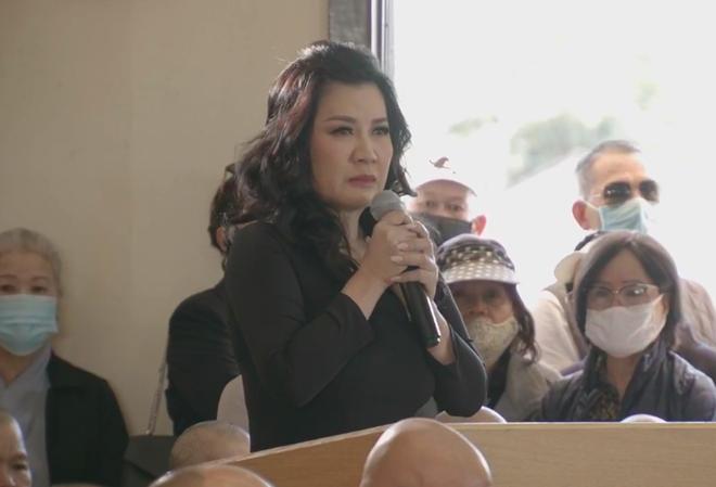 Vợ cũ Bằng Kiều òa khóc nức nở trong tang lễ khi tuyên bố: Phi Nhung là em ruột của tôi - Ảnh 3.
