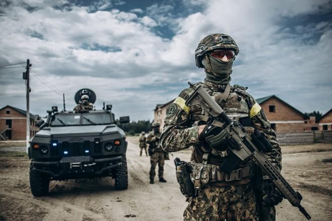Lính gìn giữ hòa bình Nga bị bắn chết, Azerbaijan vừa có hành động táo tợn chưa từng thấy! - Ảnh 2.
