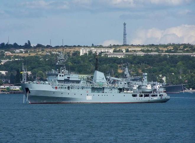 NÓNG: Tàu hải quân Ukraine phát nổ, có nguy cơ chìm hoàn toàn; TT Putin hé lộ điều khủng khiếp về siêu vũ khí mới, tuyên bố đã đưa vào trực chiến - Ảnh 1.