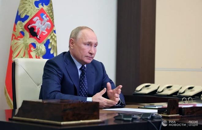 NÓNG: Tàu hải quân Ukraine phát nổ ngoài khơi Crimea, có nguy cơ chìm hoàn toàn; TT Zelensky cảm ơn EU vì điều đã làm với Nga: Nhận ngay tin cay đắng - Ảnh 1.
