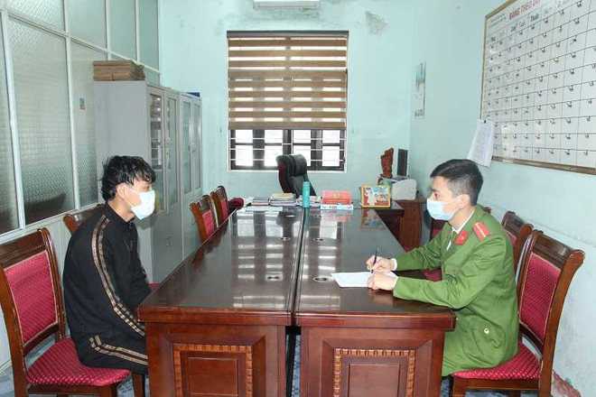 Bắt 3 kẻ giả cán bộ phòng dịch Covid-19 cưỡng đoạt tiền, đánh người ở Quảng Ninh - Ảnh 2.