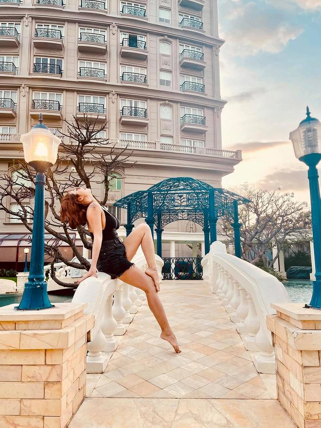 Ốc Thanh Vân diện bikini, khoe vẻ quyến rũ tuổi 37 - Ảnh 3.