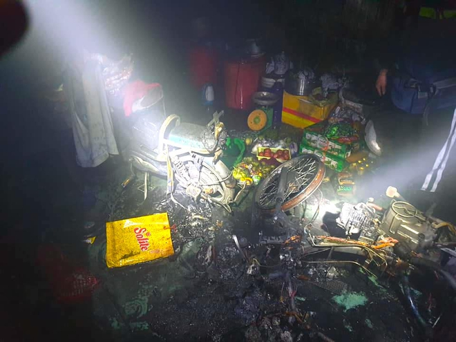 Say rượu phóng hỏa đốt nhà rạng sáng 30 Tết, cố thủ bên trong không cho ai vào dập lửa - Ảnh 3.