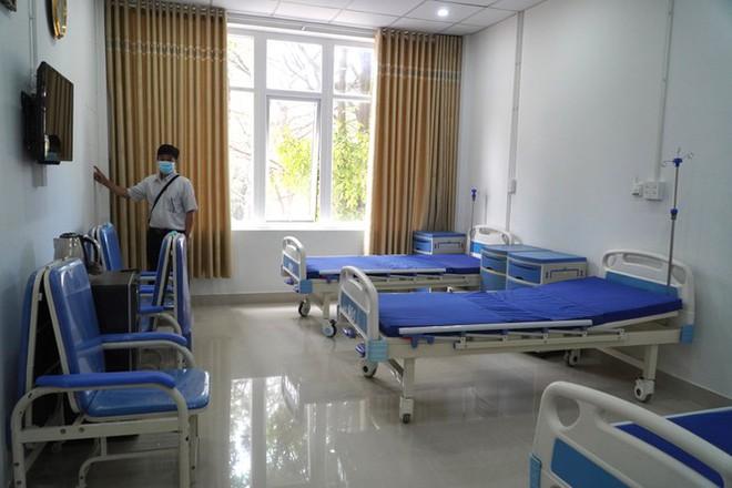Có gì bên trong bệnh viện dã chiến điều trị bệnh nhân COVID-19 ở Gia Lai? - Ảnh 1.