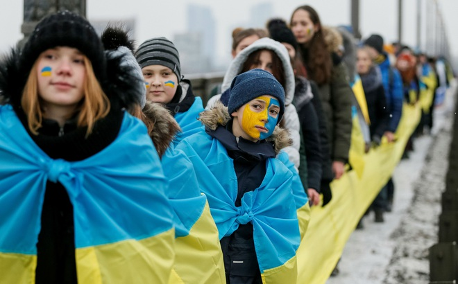 """Ukraine: Từ năm 2022, bồi bàn """"cảm ơn"""" bằng tiếng Nga sẽ bị phạt tiền - Kiev quyết đoạn tuyệt quá khứ?"""
