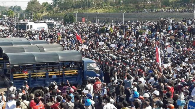 Chuyên gia Trung Quốc: Chính biến Myanmar là đòn tiên hạ thủ vi cường ngăn đảng của bà Suu Kyi làm 1 điều - Ảnh 2.