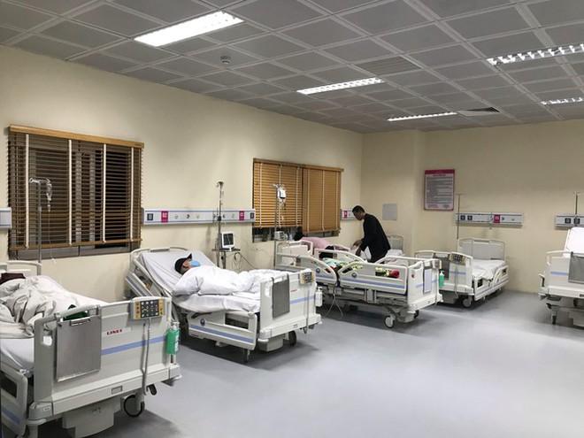 Đêm giao thừa đặc biệt ở bệnh viện E - Ảnh 5.