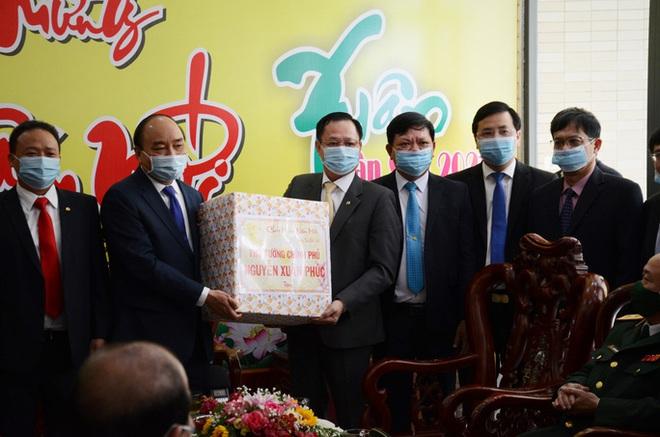 Thủ tướng Nguyễn Xuân Phúc: Việt Nam được đánh giá là nước có phương pháp chống dịch ít tốn kém nhất - Ảnh 5.