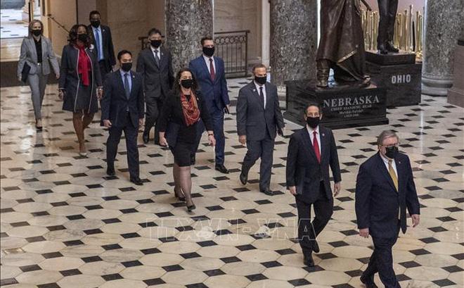 Các thượng nghị sĩ mệt mỏi trong ngày 3 phiên xử luận tội ông Trump
