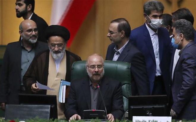 """""""Phụng mệnh"""" lãnh tụ đến Nga, Chủ tịch Quốc hội Iran không được gặp ông Putin vì không chịu cách ly"""
