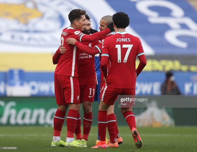 Thảm bại vì tự bắn vào chân, Liverpool đầu hàng trong cuộc đua vô địch với thành Manchester - Ảnh 1.