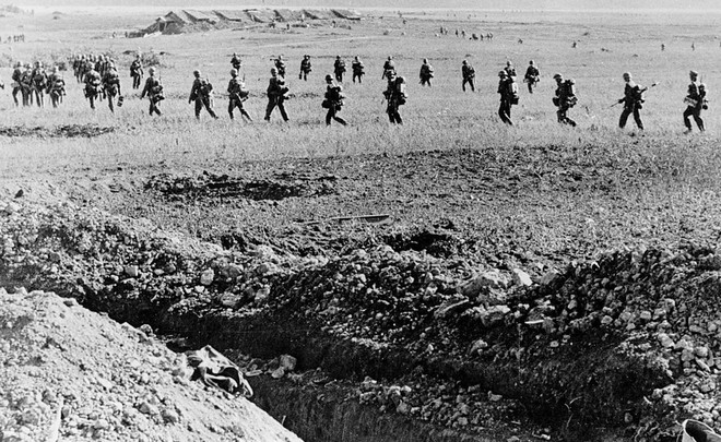 Cuộc bao vây đáng sợ nhất lịch sử: Đức nỗ lực san phẳng Leningrad, Hồng quân quyết cứu bằng được - Ảnh 1.