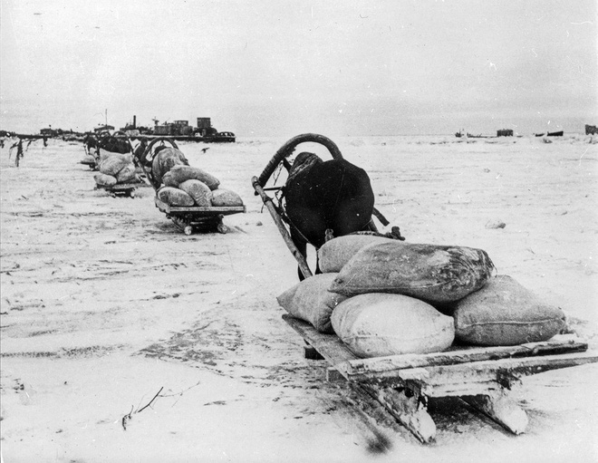 Cuộc bao vây đáng sợ nhất lịch sử: Đức nỗ lực san phẳng Leningrad, Hồng quân quyết cứu bằng được - Ảnh 7.
