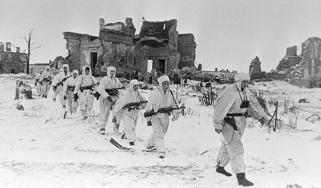 Cuộc bao vây đáng sợ nhất lịch sử: Đức nỗ lực san phẳng Leningrad, Hồng quân quyết cứu bằng được - Ảnh 9.