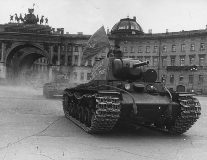 Cuộc bao vây đáng sợ nhất lịch sử: Đức nỗ lực san phẳng Leningrad, Hồng quân quyết cứu bằng được - Ảnh 11.