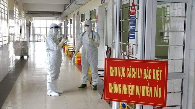 Chiều mùng 3 Tết, thêm 33 ca mắc mới COVID-19 tại Hải Dương và Hà Nội; Từ TP.HCM về địa phương không khai báo y tế, một người bị phạt 10 triệu - Ảnh 1.