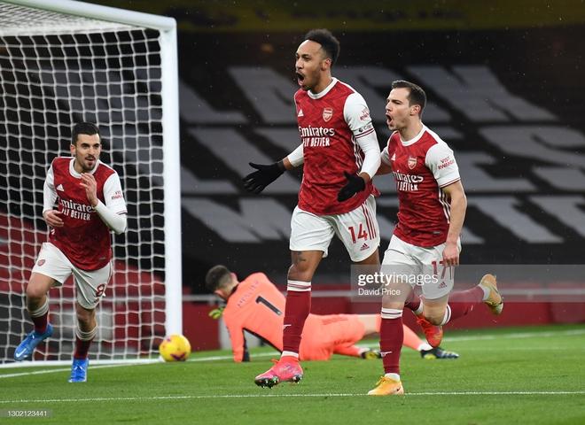 Hồi sinh với chiến thắng ngoạn mục, Arsenal lại nuôi mộng vào top 4 Premier League - Ảnh 1.