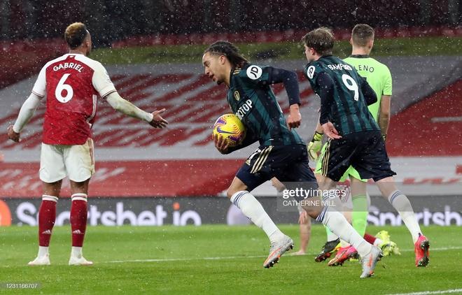 Hồi sinh với chiến thắng ngoạn mục, Arsenal lại nuôi mộng vào top 4 Premier League - Ảnh 2.