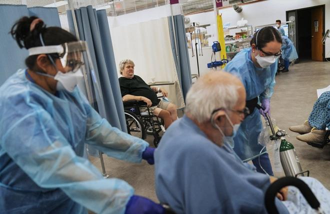 Bên trong bệnh viện dã chiến hiện đại của Mỹ - Ảnh 1.