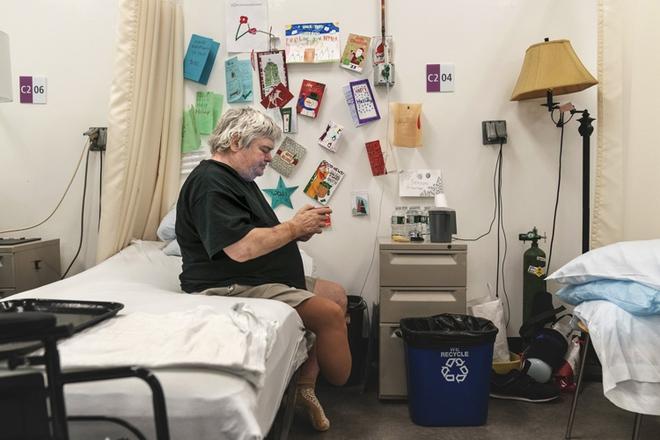 Bên trong bệnh viện dã chiến hiện đại của Mỹ - Ảnh 2.