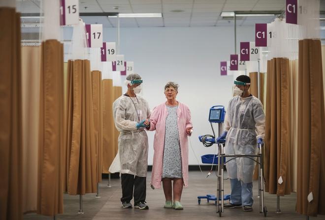 Bên trong bệnh viện dã chiến hiện đại của Mỹ - Ảnh 3.