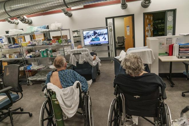 Bên trong bệnh viện dã chiến hiện đại của Mỹ - Ảnh 4.