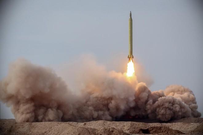 Thử tên lửa thành công, Iran gửi thông điệp rắn đến Mỹ - Ảnh 1.