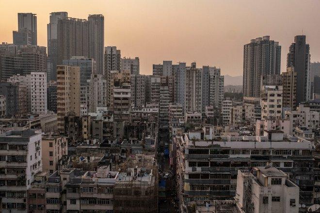 Nhà quan tài bộc lộ bất ổn ở Hồng Kông giữa dịch Covid-19: Chúng tôi sai vì chúng tôi nghèo! - Ảnh 1.