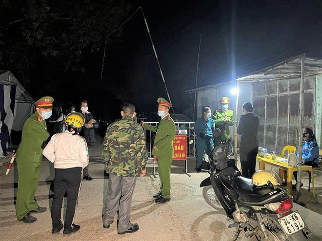 Hải Phòng truy tìm khẩn người đàn ông trốn khỏi khu cách ly; Toàn bộ 12 huyện ở Hải Dương đã có ca dương tính SARS-CoV-2 - Ảnh 1.