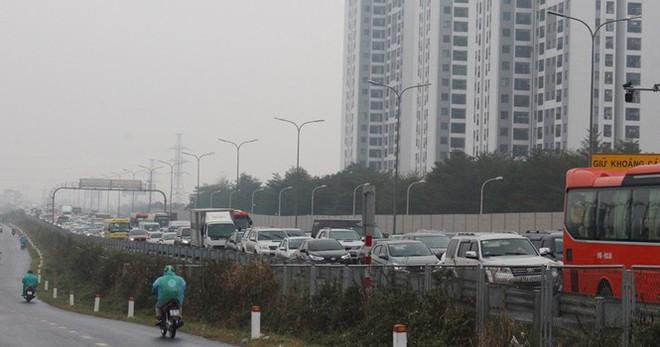 Ùn tắc các tuyến đường hướng về trung tâm Hà Nội - Ảnh 12.